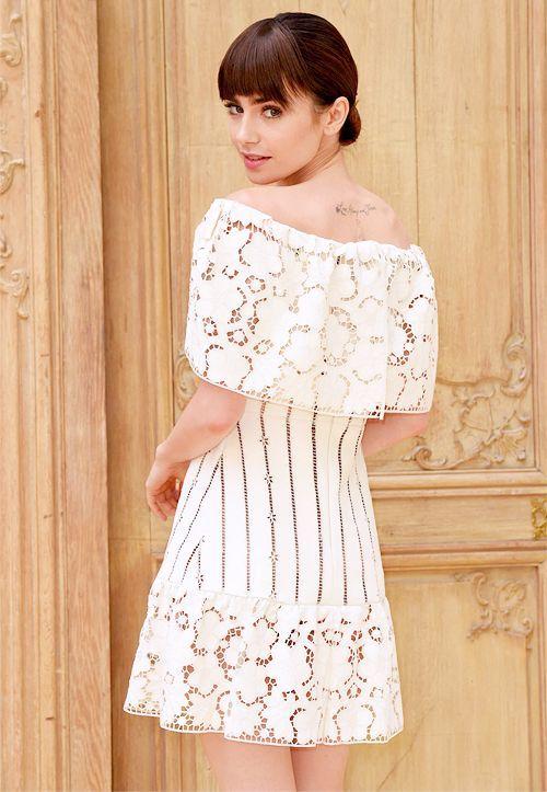 Nhan sắc quyến rũ của 'Bạch Tuyết' Lily Collins