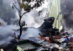Chiến cơ Indonesia rơi xuống khu dân cư, bốc cháy ngùn ngụt