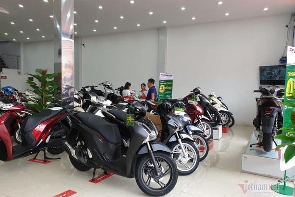 Giá xe máy tăng đồng loạt, Honda SH 2019 đội giá kỷ lục