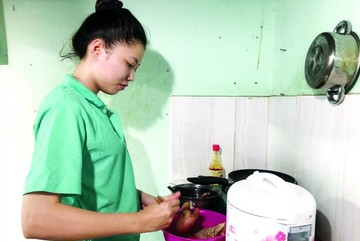 Covid-19 starting to hit Vietnamese enterprises as workers are laid off