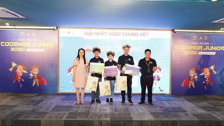Nữ sinh Hưng Yên giành ngôi quán quân lập trình