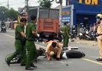 Hai phụ nữ tông xe máy vào nhau, 1 người ngã xuống bị xe tải cán tử vong