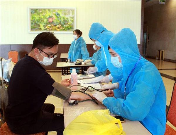 Vietnam should stay vigilant despite lack of community transmission: experts