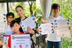 Hà Kiều Anh tự hào với thành tích học xuất sắc của các con