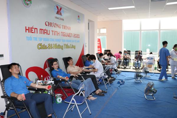 Tuổi trẻ TKV tham gia hiến máu tình nguyện