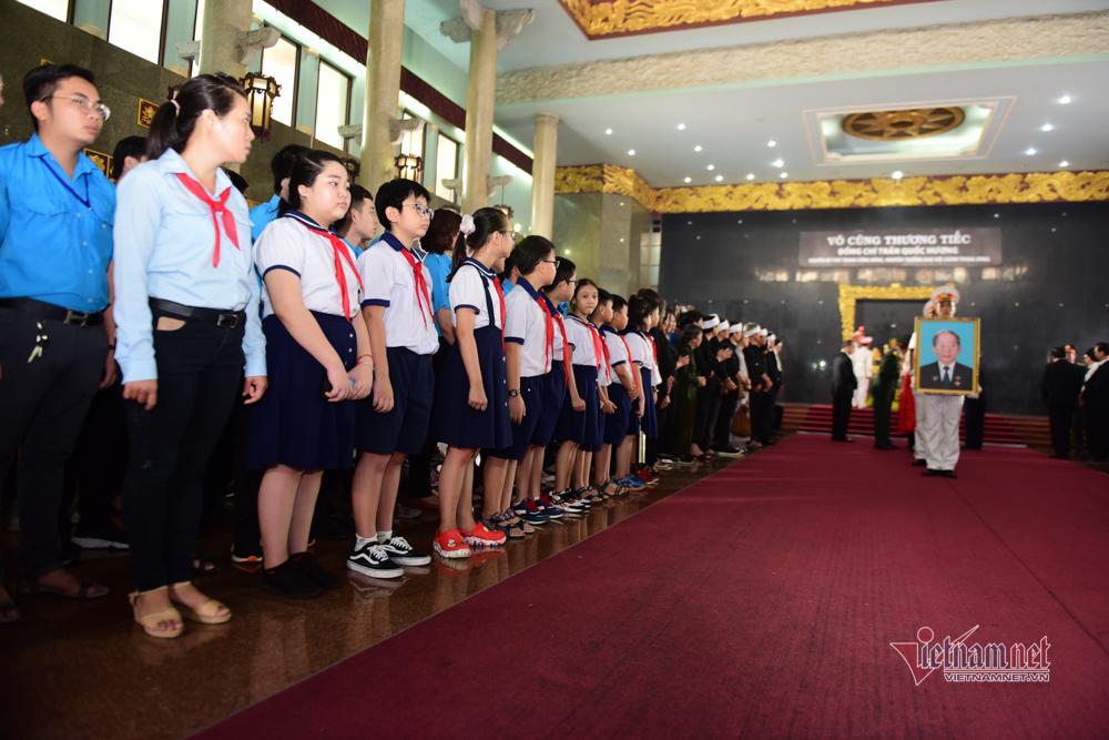 Lễ tiễn đưa nhà tình báo Trần Quốc Hương về đất mẹ