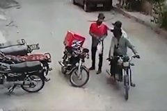 Hành động sửng sốt của tên cướp với nạn nhân