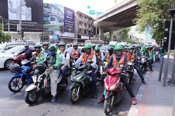 Xe máy bật đèn nhận diện 24/24h phù hợp thời tiết Việt Nam