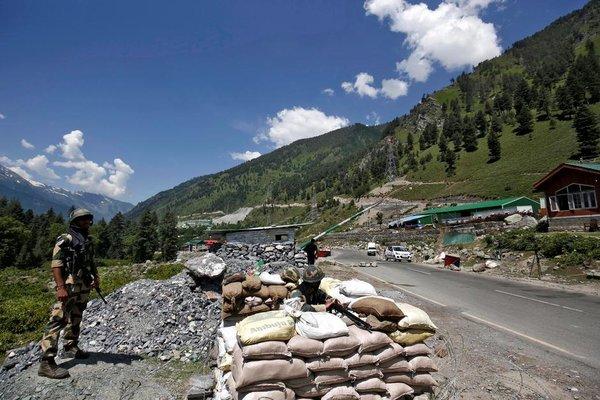 Ấn Độ điều thêm quân tới đường kiểm soát thực tế với Trung Quốc