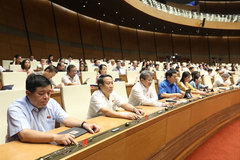 NA deputies pass new amendments to Vietnam's natural disaster, dike, construction laws
