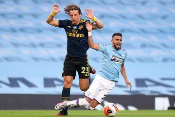 David Luiz hối lỗi sau màn trình diễn tệ nhất Arsenal