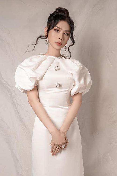 Lâm Khánh Chi: Tôi đủ nổi tiếng, không cần chiêu trò gây chú ý