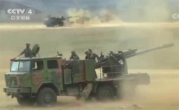 Pháo Trung Quốc nổ rát trên cao nguyên Tây Tạng