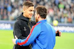 Messi can thiệp, Barca mua gấp Dybala