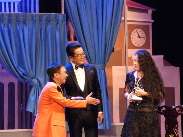 Famous cai luong play on love and crime restaged