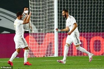 """Benzema lập cú đúp, Real Madrid bắn hạ """"Bầy dơi"""""""