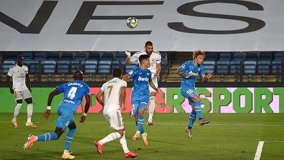 Benzema lập cú đúp, Real Madrid bắn hạ 'Bầy dơi'