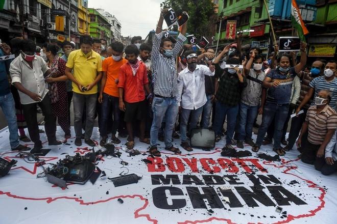 Ấn Độ tẩy chay hàng hóa, cấm cửa công ty Trung Quốc