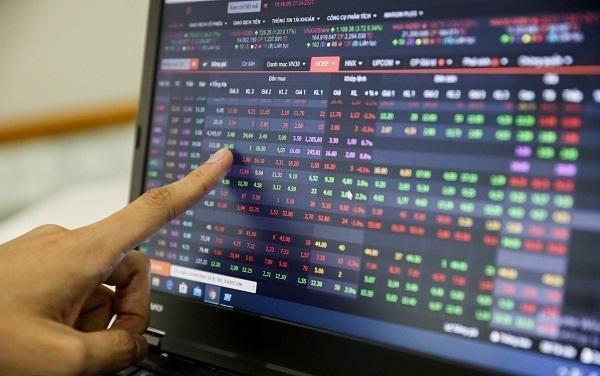 Tập tành đầu tư chứng khoán, cay đắng mất gần 200 triệu