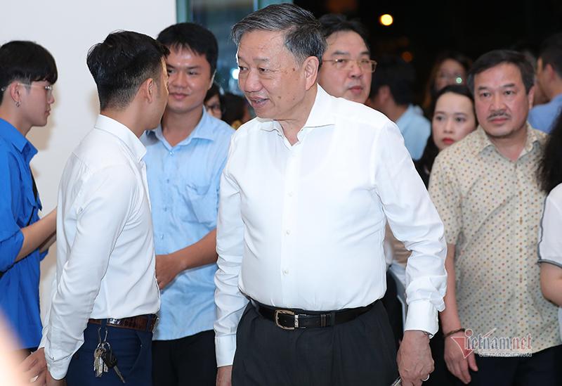 Đại tướng, Bộ trưởng Tô Lâm nghe hoà nhạc 'Chúng tôi đã quay lại'