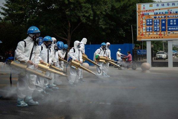 Tokyo nâng cảnh báo lên cao nhất, vaccine Covid-19 của Nga an toàn