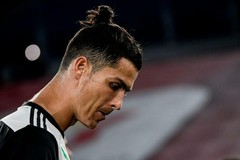 HLV Sarri thừa nhận, Ronaldo đang 'có vấn đề'