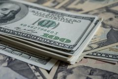 USD bất ngờ bật tăng, biến động khó lường đe dọa túi tiền