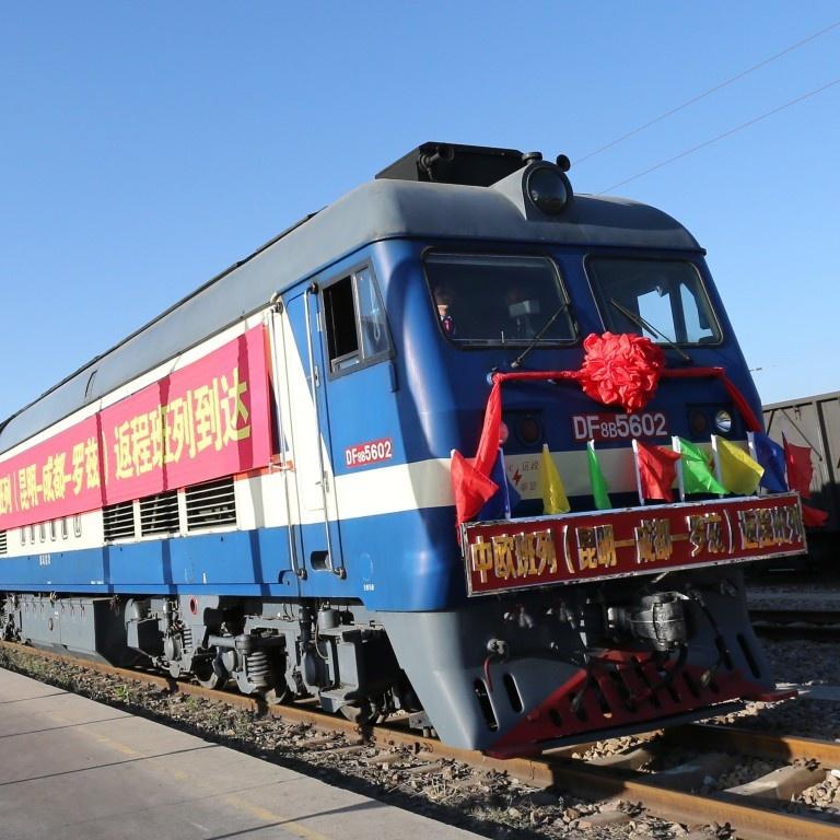 Bị Mỹ tẩy chay, Trung Quốc tìm đường thoát kinh tế ở phía tây