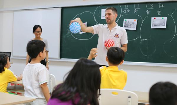 Vì sao học sinh Vietschool tư duy tiếng Anh như người bản xứ?