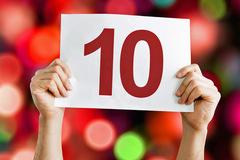 Điểm 10 đỏ rực học bạ: Tiến hóa hay thoái hóa?
