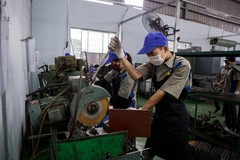 VN supporting firms need better policies to help them recover
