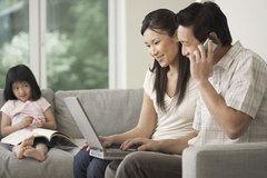 Công nhân lương 18 triệu/tháng: Ở nhà thuê, 2 con nhỏ, để dành 480 triệu