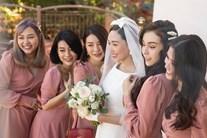 Ảnh nét căng hiếm hoi trong hôn lễ nhà thờ của Tóc Tiên - Hoàng Touliver