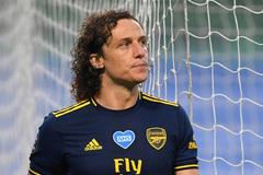 """Liên tục """"bán đứng"""" Arsenal, David Luiz vẫn có quà"""