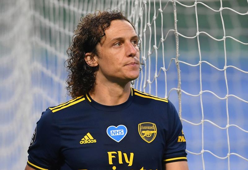 Liên tục 'bán đứng' Arsenal, David Luiz vẫn có quà