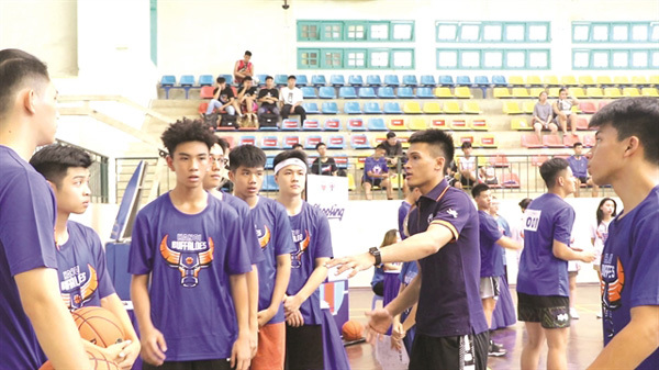 Young Hanoi ballers chase hoop dreams at VBA tryout