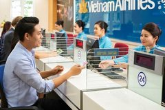 Why does SCIC want to invest in Vietnam Airlines?