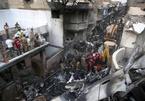 Phi công mải chuyện Covid-19, máy bay rơi làm 97 người chết thảm