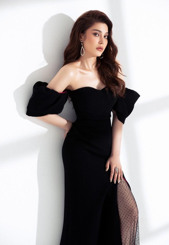 Lily Chen 'Tình Bolero' khoe dáng thon