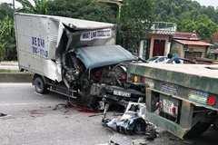 Đâm vào đuôi xe đầu kéo đỗ ven đường, phụ xe tải đứt lìa cánh tay