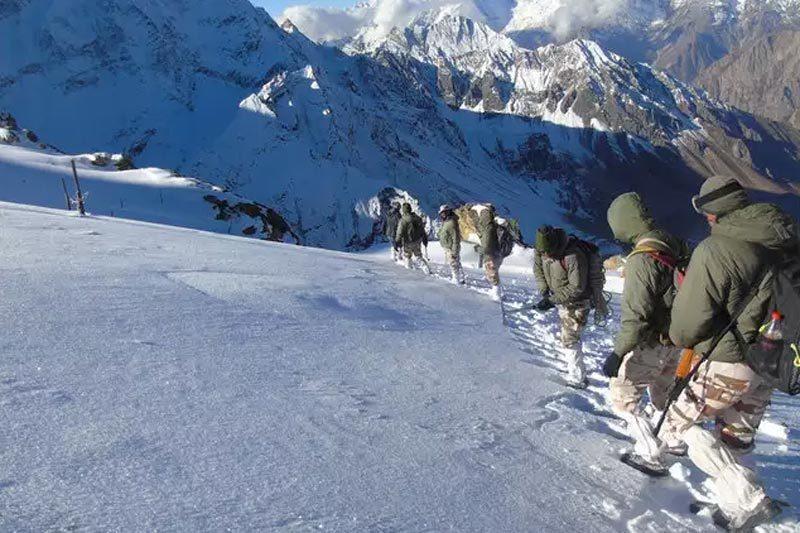 Căng thẳng với TQ leo thang, Ấn Độ điều thêm hàng nghìn lính tới biên giới