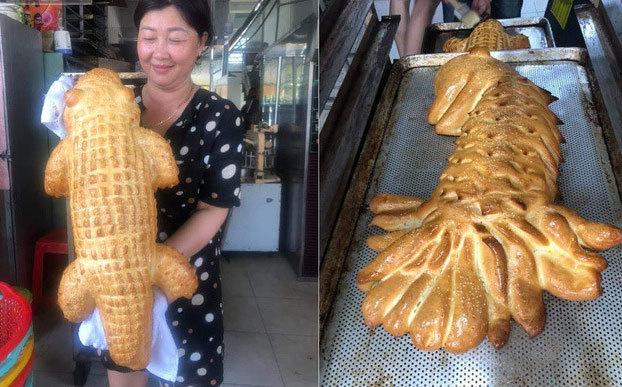 Bánh mì cá sấu khổng lồ 'gây bão', ngày bán trăm chiếc