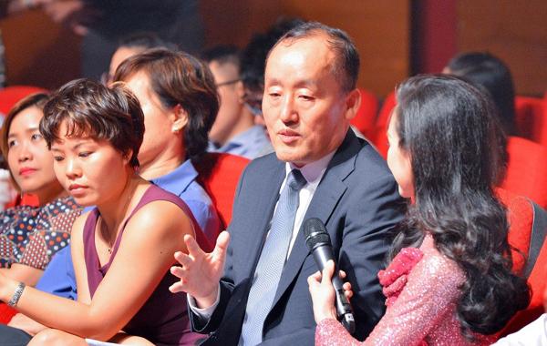 'Tự Hào Việt Nam' vang lên sau tháng ngày đồng lòng chống dịch Covid-19