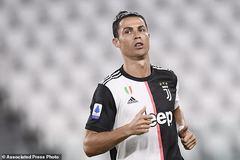 Ronaldo sáng rực, Juventus thắng đậm Lecce