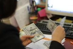 Giá USD 'chợ đen' ngày càng lao dốc