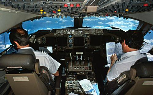 250 phi công Pakistan dùng bằng lái giả, Bộ trưởng Nguyễn Văn Thể chỉ đạo gấp