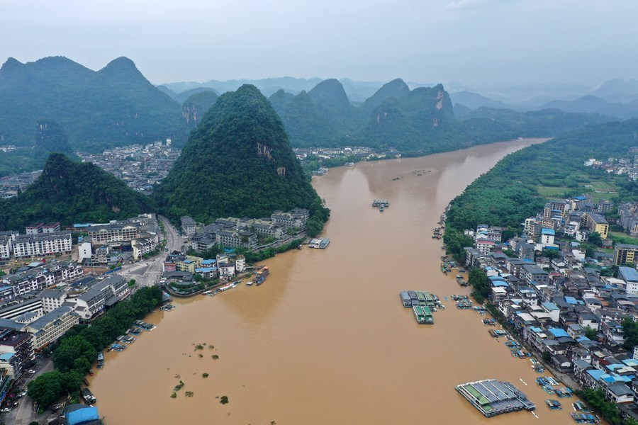 Hàng triệu người Trung Quốc bị ảnh hưởng do lũ lụt