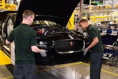 Sản lượng sản xuất ô tô của Anh chạm mức thấp nhất kể từ năm 1946