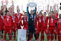"""Đại thắng """"4 sao"""", Bayern đăng quang hoành tráng"""