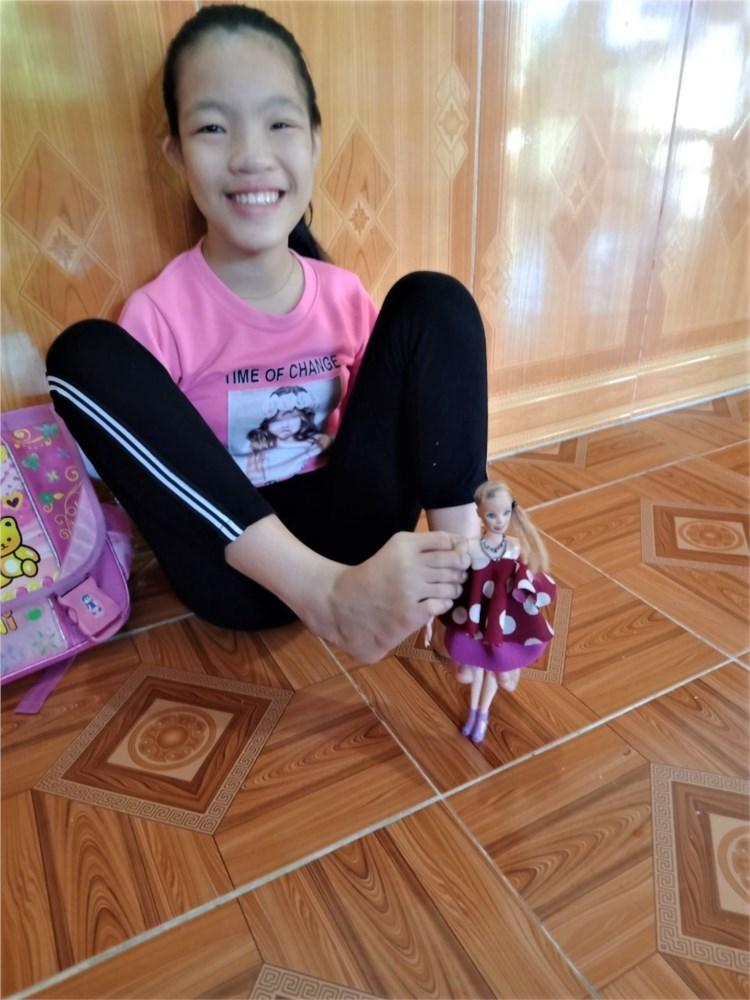 Đôi chân diệu kỳ của cô học trò người dân tộc Sán Dìu